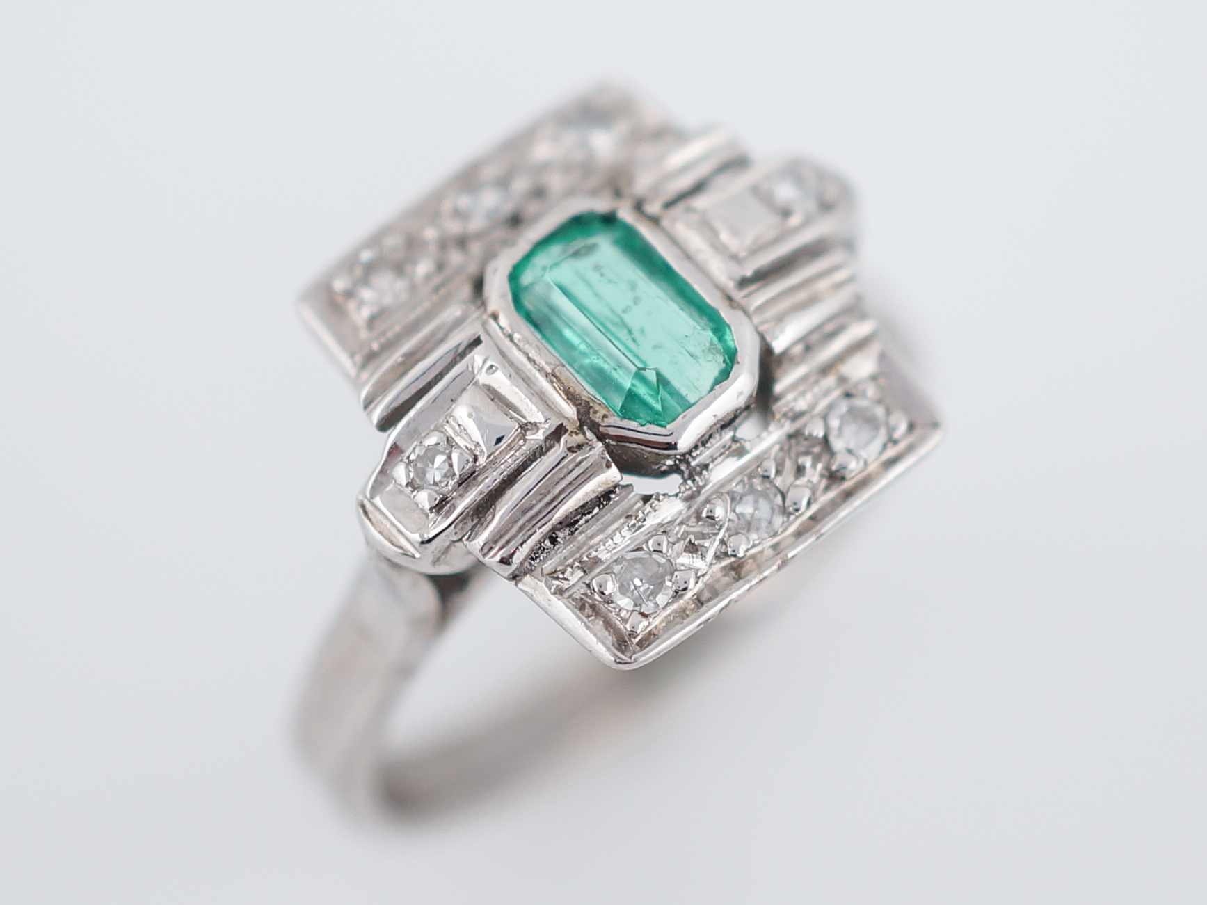 sempimimi products ring emerald semi precious chix