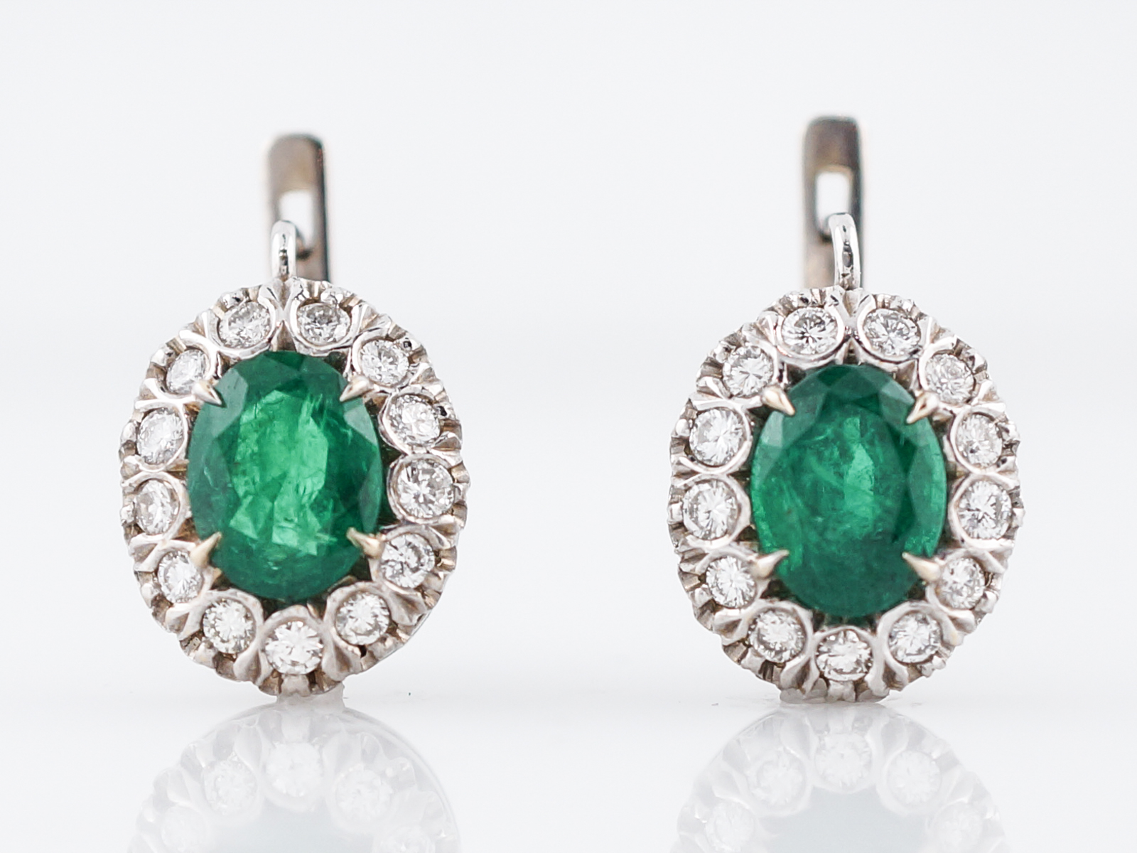 diamonds brilliant earrings em gemstone halo shining cut emerald