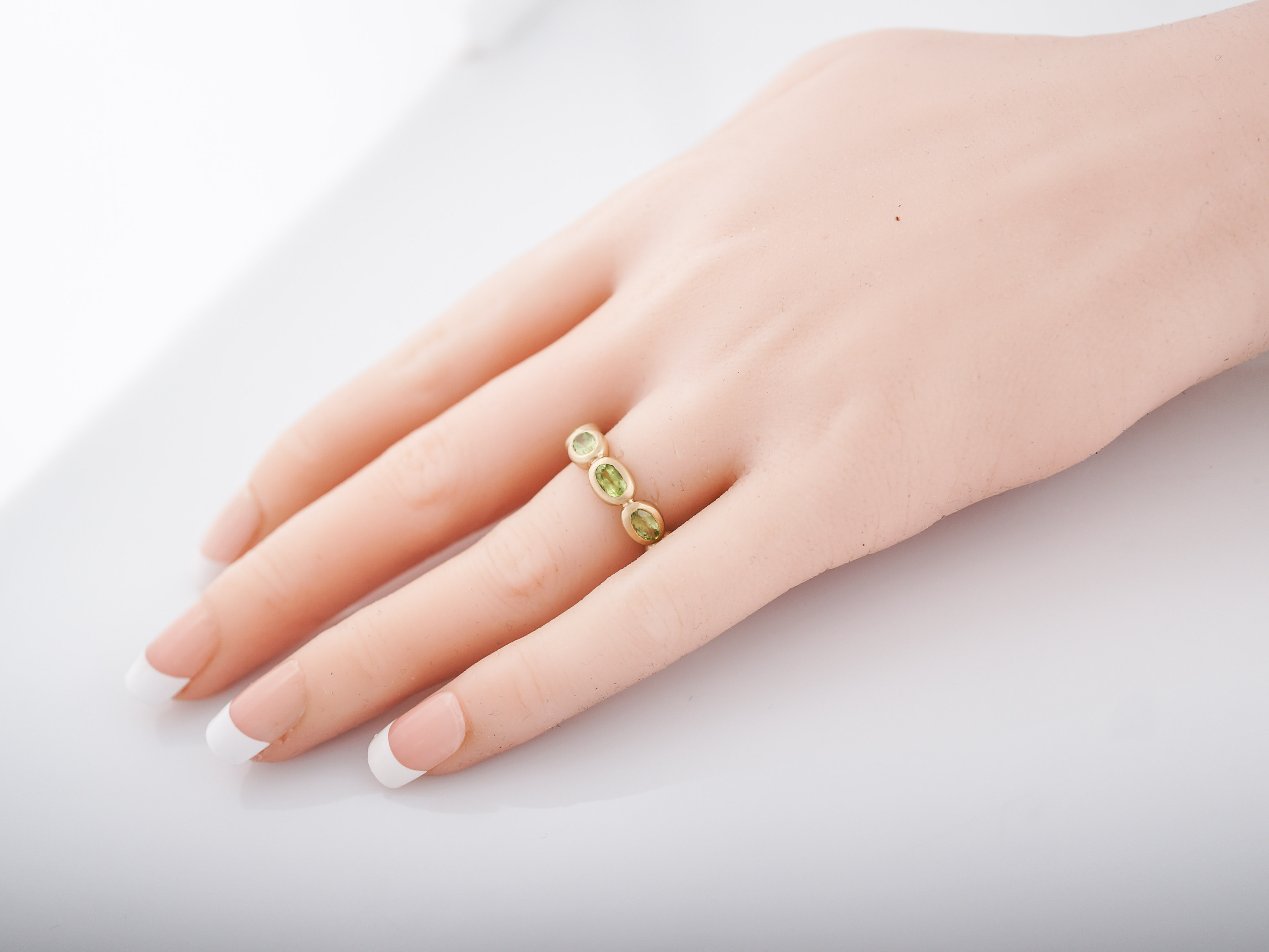 Right Hand Ring Modern 2.97 Oval Cut Peridot in 14K Yellow Gold