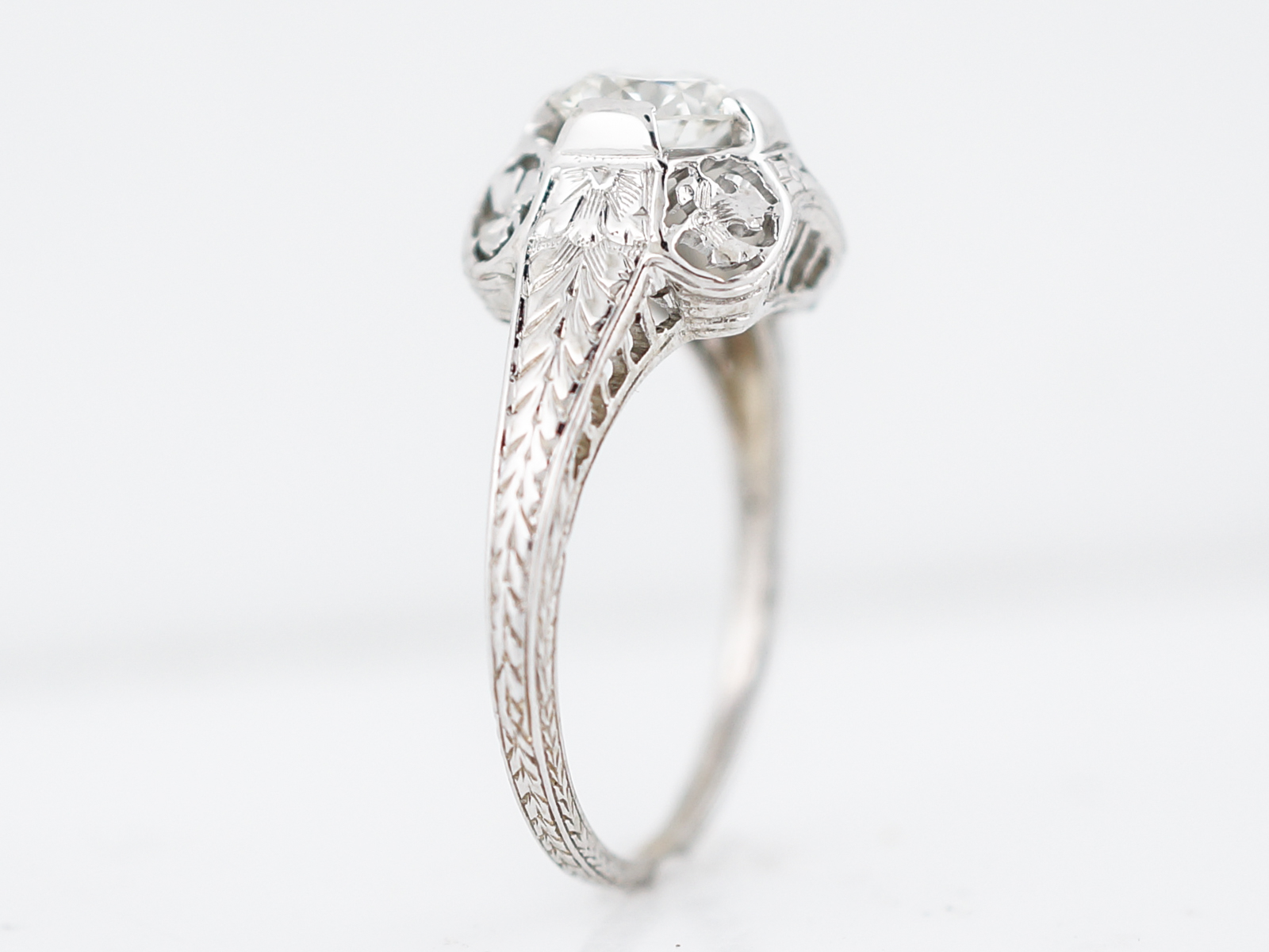 History Of Giving Diamond Engagement Rings
