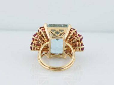 Vintage Cocktail Ring Retro 27 Carat Aquamarine, Ruby and Diamond in 18K Yellow Gold