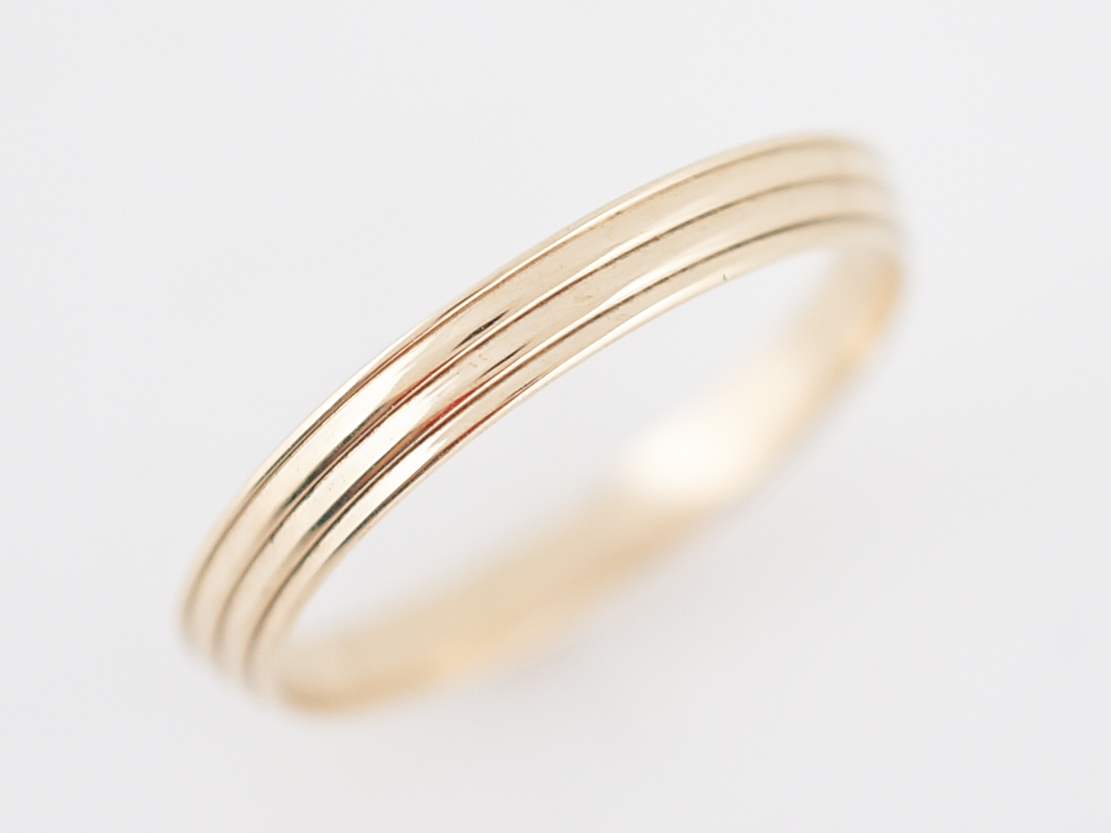Vintage Wedding Band Retro in 14k Yellow Gold-2
