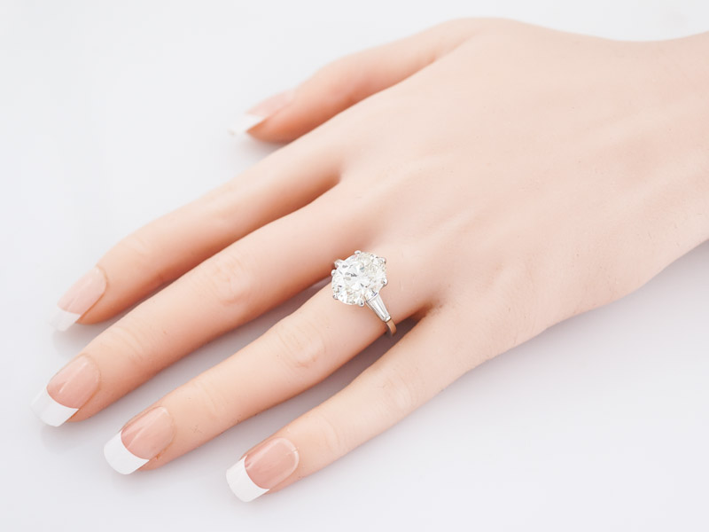 Engagement Ring Modern GIA 5.08 Oval Cut Diamond in Platinum