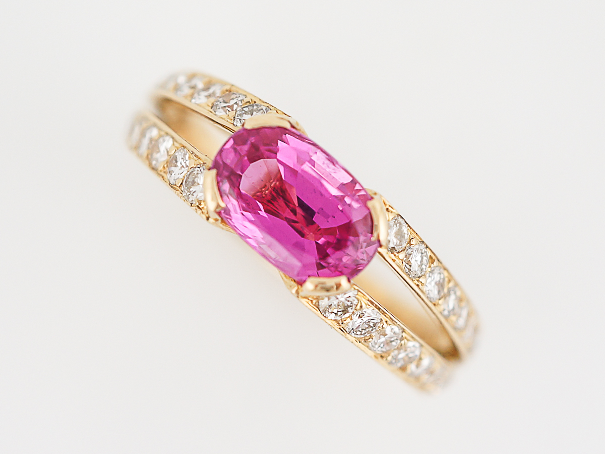Right Hand Ring Modern 2.00 Oval Pink Sapphire in 18k Yellow Gold
