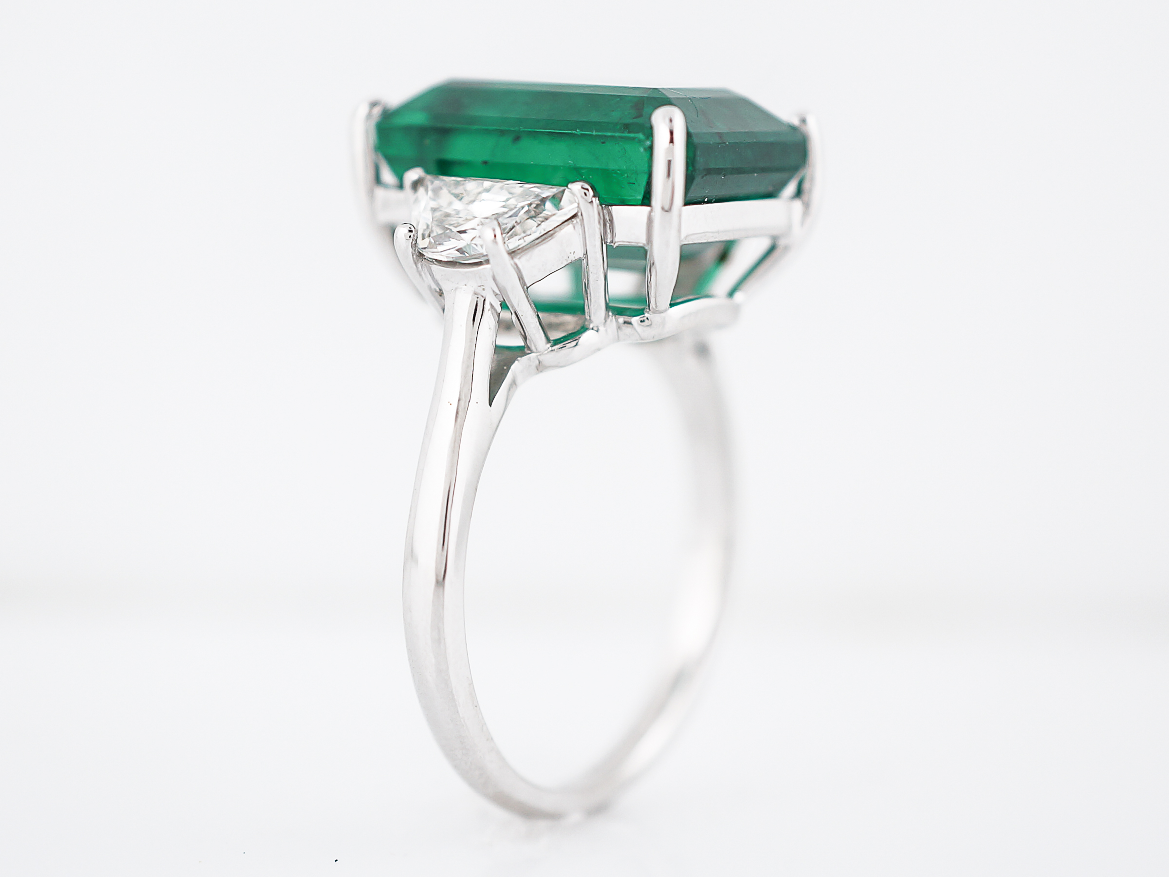 an csm gold en projects columbian white auction a ring and lot auktionshaus col emerald lempertz catalogues