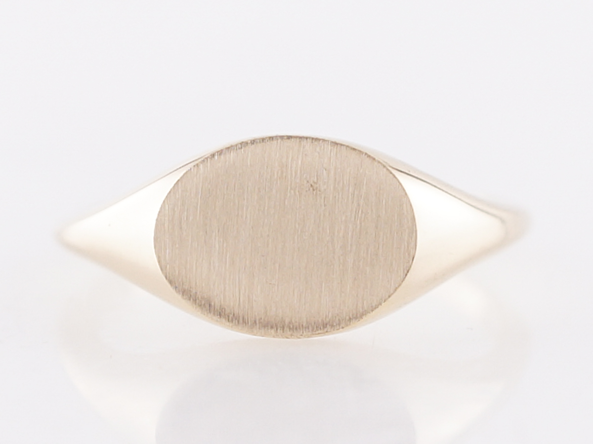 Right Hand Ring Signet Modern in 14k Yellow Gold