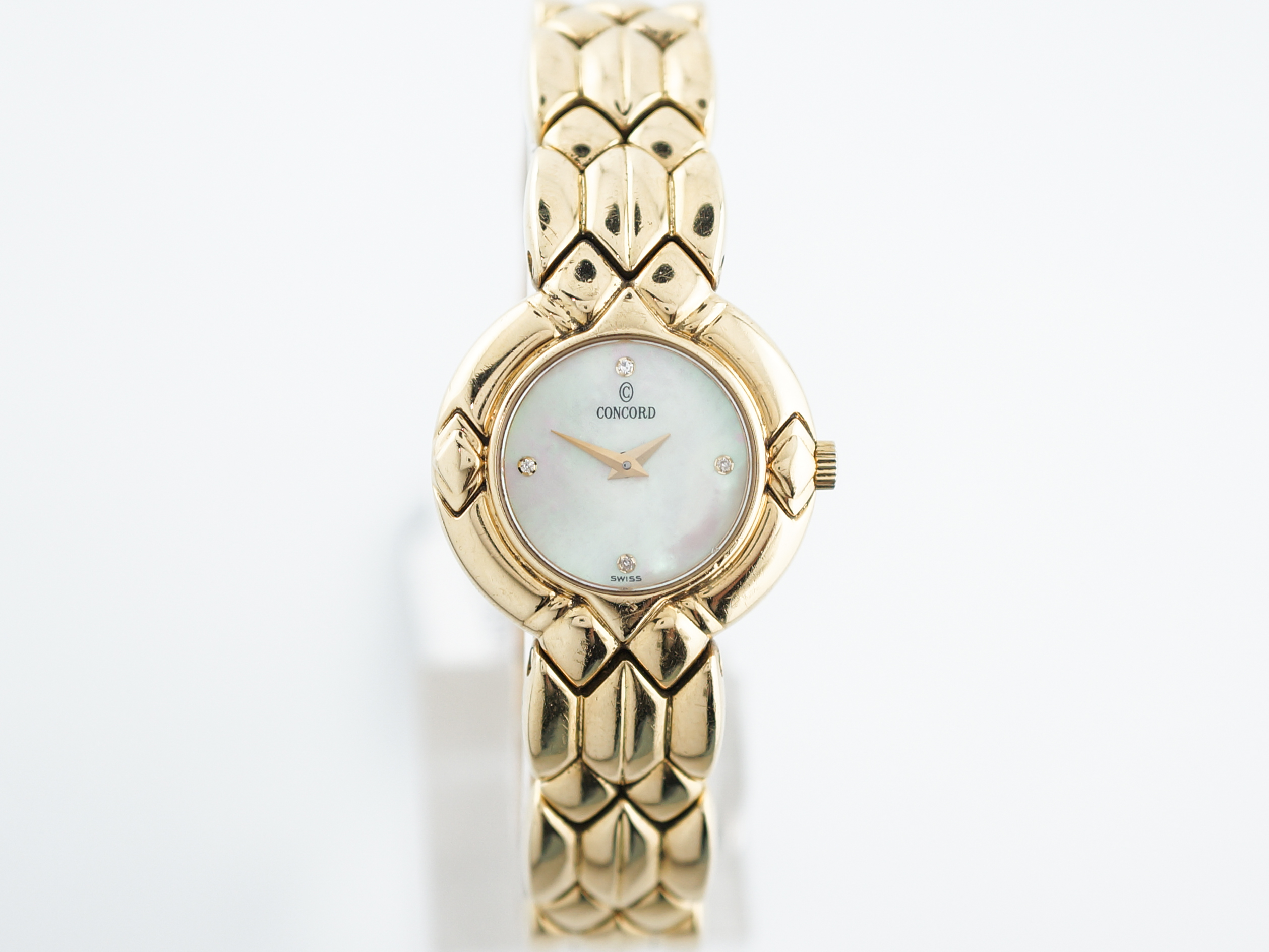 Women's Concord Watch Mother of Pearl in 18k Yellow Gold