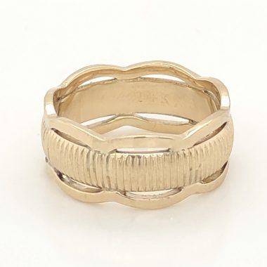 Vintage Wedding Band Mid-Century in 14k Yellow Gold