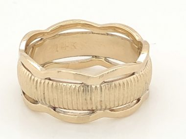 Vintage Mid-Century Wedding Band in 14k Yellow Gold