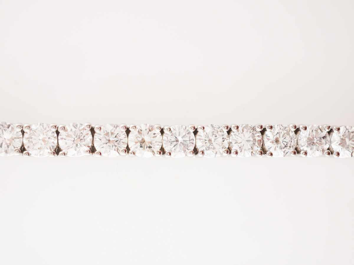 13 Carat Diamond Bracelet in 18k White Gold