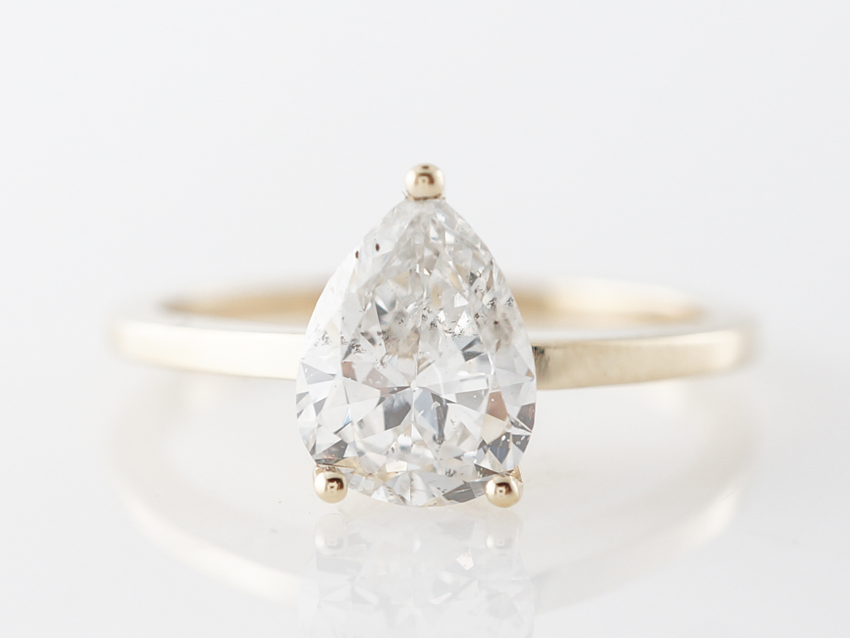 1 Carat Pear Cut Diamond Engagement Ring in Yellow Gold